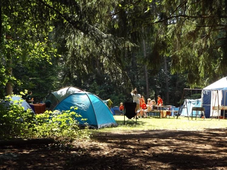 Camping heureux
